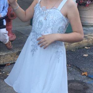 Fancy white dress size 10